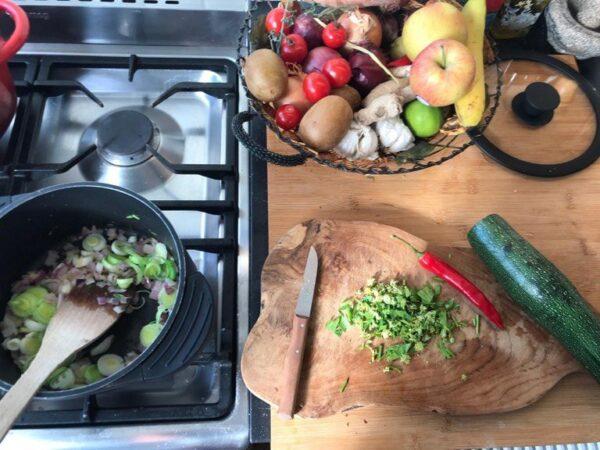 Bonen soep met bonen en Lavas uit eigen tuin