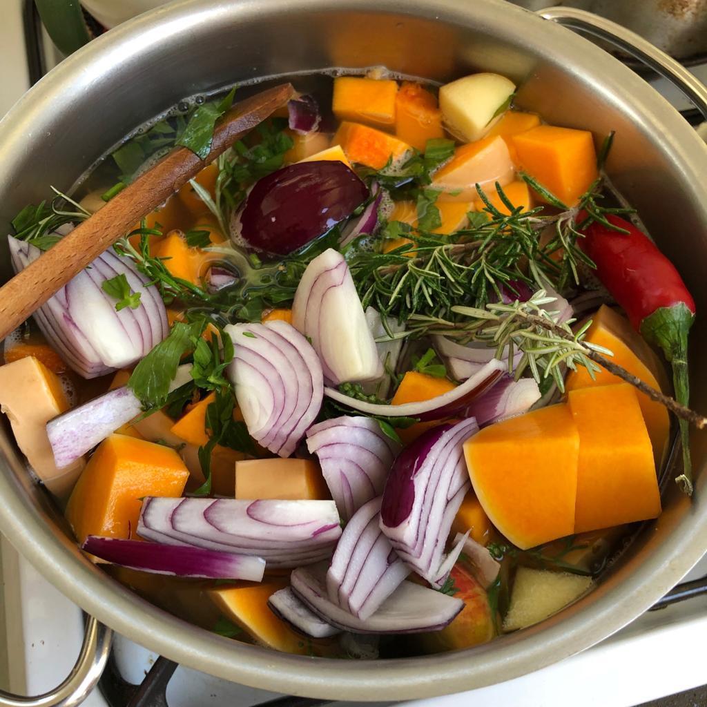 Pompoensoep maken met verse kruiden – mijn recept!